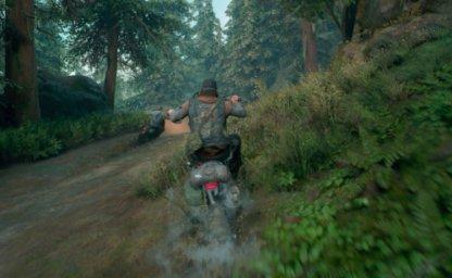 バイクで坂を登る画像