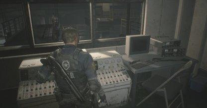 装置を調べて橋を動かす